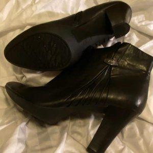 Size 9 Anne Klein Black Ankle Boots